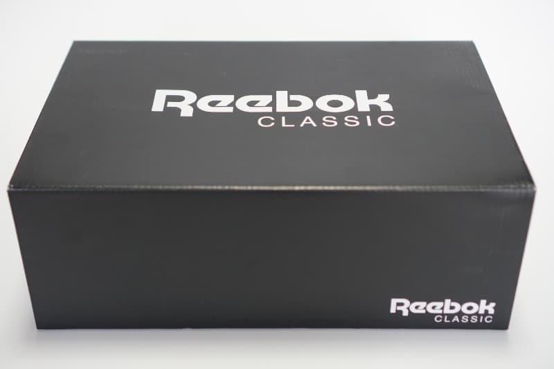 リーボッククラシックの箱